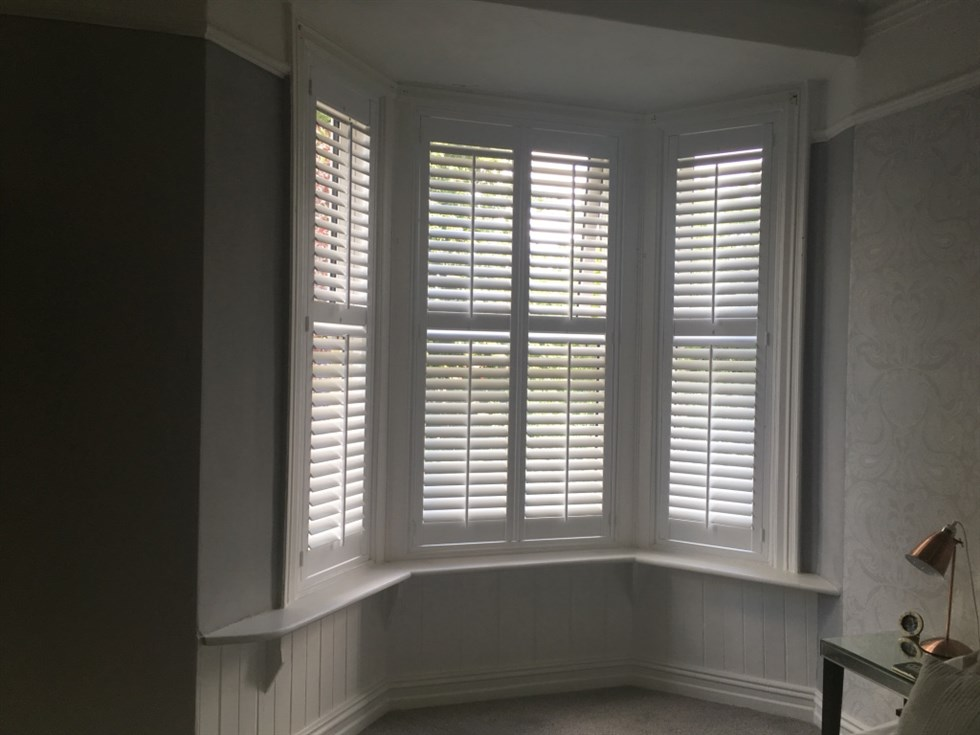 Bay Window Plantation Shutters Uk Blinds And Shadings